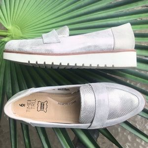 TIME AND TRU Silver Distressed Wedge Loafers 6